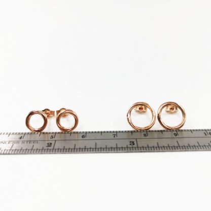 9ct size comparison rose 7.5mm and 10mm studs